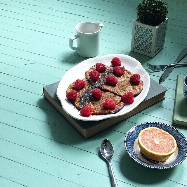 sunday spread ft homemade baked banana almond butter pancakes ✨ | the girl in polka dots