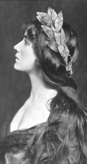 ↢ Bygone Beauties ↣ vintage photograph of Ruth Berkeley - English Actress. Circa 1903.