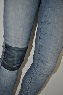Tear repaired with back pocket from other pair of jeans.: Skinny Jeans, Pockets, Sewing Ideas, Craft Ideas