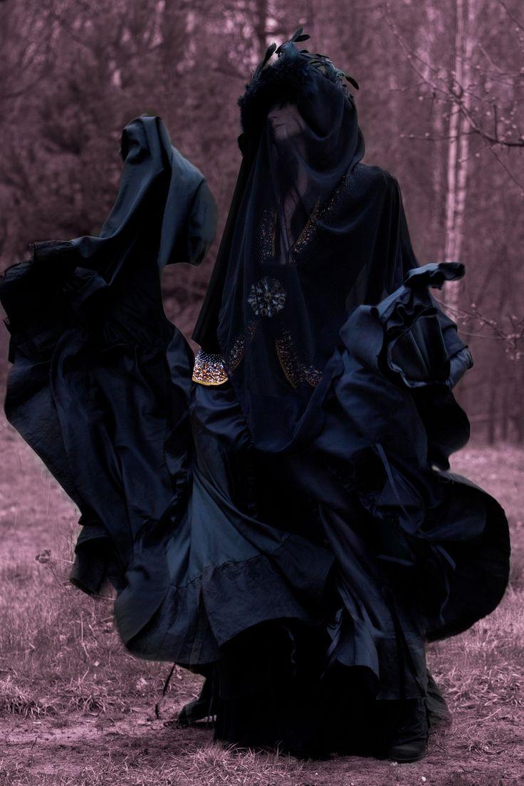 Photographer: Studio Doma Vaquera Model: Marta Wołtosz #black #veil #gothic #editorial