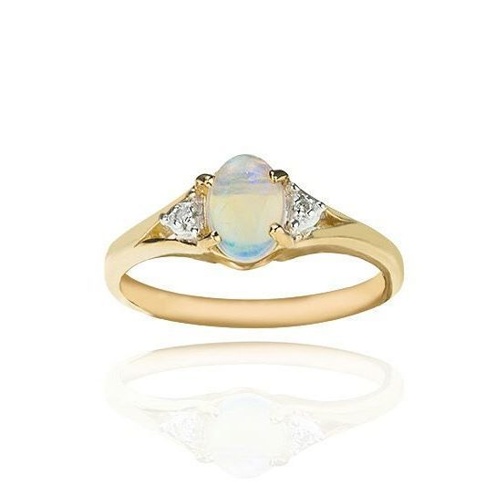 Opal is such a stunning gem. 😍💎 . . . #diamond #engagement #opal #onyxgoldsmiths #jewellery #engagementring #gemstone #goldring #gold #instajewellery #accessories #fashion #style #specialoccasion #beeston #jewellers #9ct