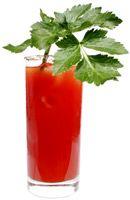 Recette Cocktail Bloody Mary. Certainement le cocktail le plus célèbre à base de jus de tomate. Il tient son nom de Mary Tudor surnommée Bloody Mary...