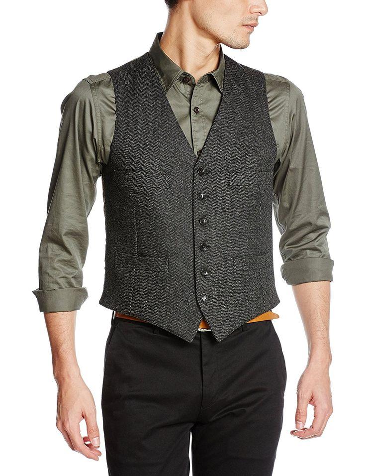 """ここ数年で一気に存在感を高めるメンズファッションアイテムといえば""""ベスト(ジレ)""""。着こなしや素材を選ぶことで季節を問わず活用できるワードローブのひとつだ。今回は""""ベスト(ジレ)""""にフォーカスして注目の着こなし&アイテムを紹介! ベスト×ボタンダウンシャツスタイル サックスブルーのボタンダウンシャツに、ネイビーのベストを重ね着してグラデーションを表現したコーディネート。シャツ単体で着こなしに物足りなさを感じる方は、ベストの取り入れは有効な選択肢だ。 thefashionspot T-JK(ティージャケット) ベスト Tシャツのような軽さと気軽さを持つジャケットづくりをコンセプトに活動する「T JACKET(ティージャケット)」。ナイロンとウレタン素材を混紡したコットンベスト。雰囲気のある織柄が、着こなしにアクセントをプラスしてくれる。 詳細・購入はこちら グレーベスト×スーツスタイル ビジネススーツはもとより、結婚式披露宴へのゲスト参加の際などにぜひ取り入れたいのオッドベスト。ネイビーやブラックなどダークスーツに汎用的に合わせることができるグレーベ..."""
