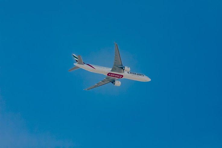 EK613 Boeing777-31H(ER) A6-EPT flying over Islamabad 2 Dec 2017 @emirates . . . . . #emirates #dubai #uae #mydubai #abudhabi #nationalday #dxb #uaenationalday #الامارات #دبي #love #oman #unitedarabemirates #kuwait #sharjah #qatar #bahrain #travel #ajman #عمان #الكويت #photooftheday #قطر #rak #microblading #السعوديه #makeupartist #hairbyhair #browtattoo #تاتو_حواجب