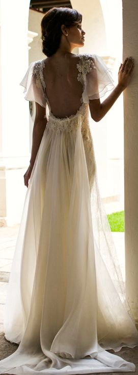 Low Back Flowy Wedding Dress : Backless wedding gowns and stunning dresses