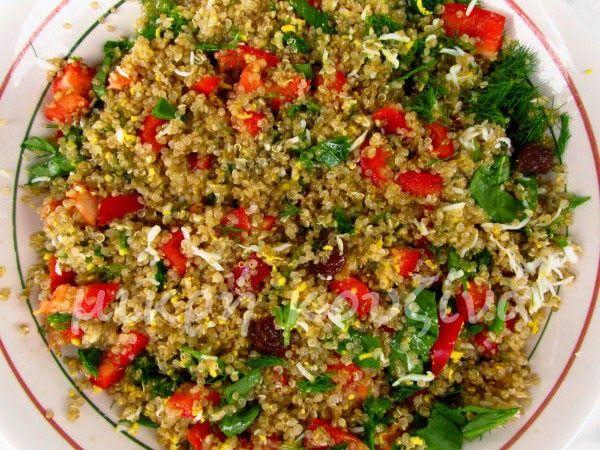 μικρή κουζίνα: Σαλάτα με κινόα, αυγό και σπανάκι