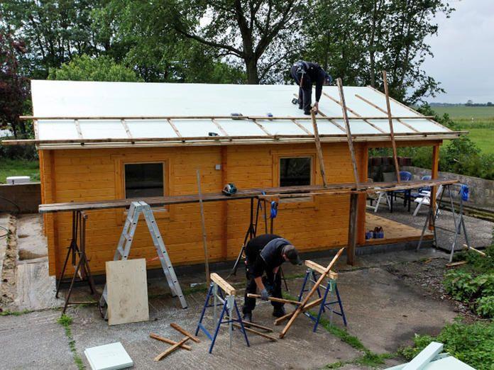 Gartenhaus Mit Einer Aufsparrendammung Isolieren Gartenhaus Holzhaus Garten Gartenhaus Selber Bauen