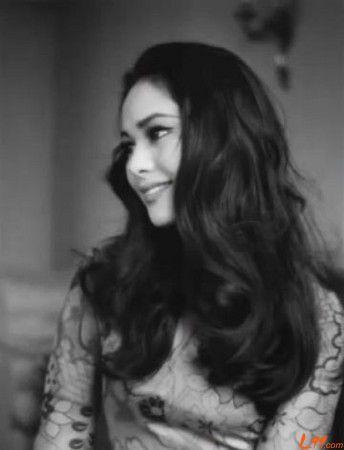 Ratna Sari Dewi Sukarno, born Naoko Nemoto (February 6, 1940).