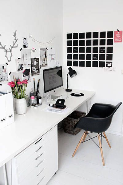 These chic desktops and home offices will inspire you to create the perfect workspace. - love the chalkboard calendar