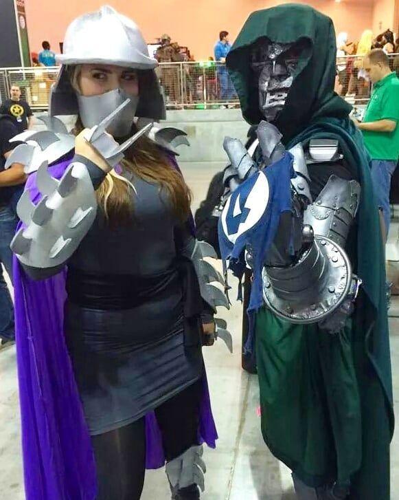 Lady Shredder and I brandish our gauntlets.  Or... my gauntlet and her hand blade thingy.  #drdoom  #marvel  #marvellegends  #marvelart  #marvelfan #nycc #cosplay  #cosplayer #cosplayers #menofcosplay #womenofcosplay #rule63 #cosplayersofinstagram  #comiccon #doctordoom #comicbook  #fantasticfour  #marvelcomic #marveluniverse #geek #nerd #marvelcosplay #cosplaylife #bestcosplay #shredder #tnmt #teenagemutantninjaturtles #turtles #ninja #mutant