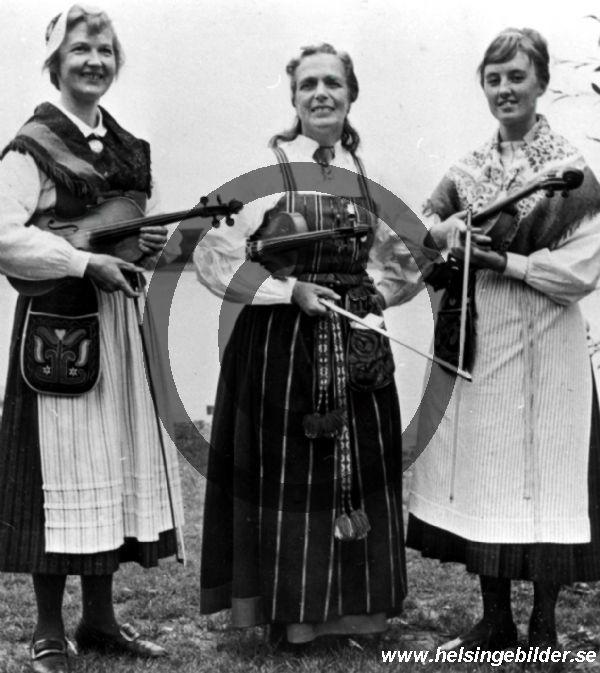 kvinnliga riksspelmän vid Hälsingestämman i Bollnäs 1959.