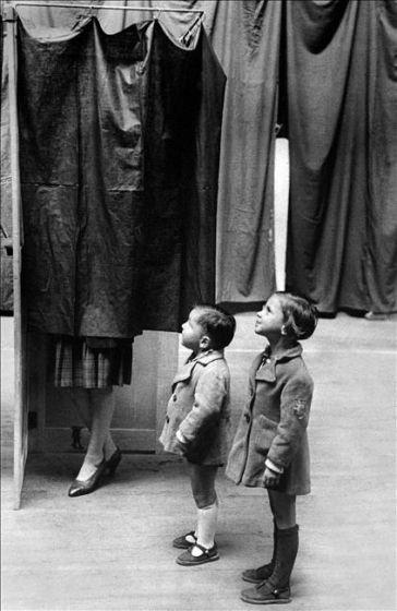 Exposition à la location - De 1900 à 1945, l'histoire du combat des femmes pour l'obtention du droit de vote.