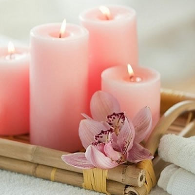 pink candles would look so beautiful in a barroom