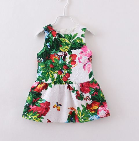 Members Price $24 Click here to become a member today! Beautifully made designer mini Invisible zip up back Frilled bottom Tropical print Generous sizing