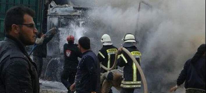 Ρωσικά μαχητικά αεροσκάφη βομβάρδισαν κομβόι φορτηγών στα σύνορα Τουρκίας- Συρίας [εικόνες]