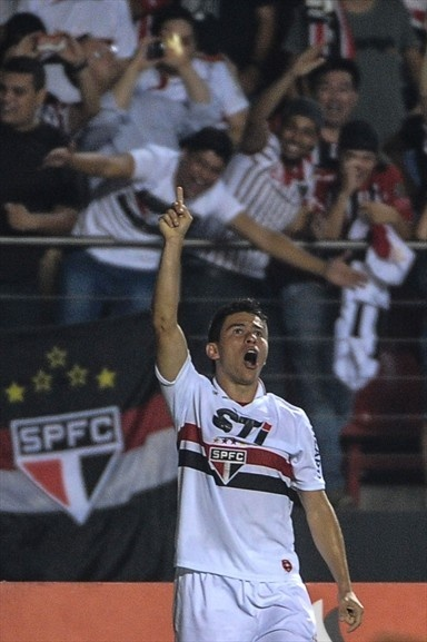 Osvaldo of Brazils Sao Paulo reacts after scoring against Argentinas Tigre during their Copa Sudamericana football final match at Morumbi stadium in Sao Paulo, Brazil, on December 12, 2012. AFP Photo/Yasuyoshi CHIBA