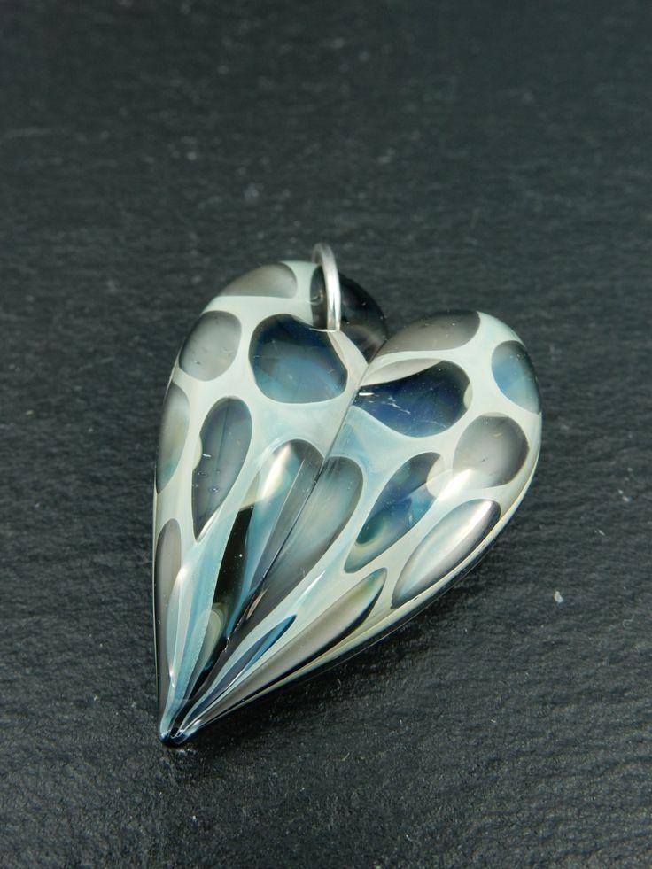 Handgemaakte glazen hart hanger door VandenBosGlaskunst op Etsy