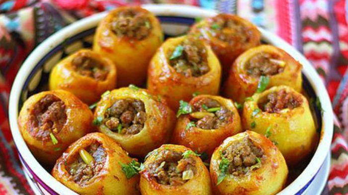 ......Какой же человек не любит картошку с мясом?! Мне очень нравится картошка, фаршированная фаршем. Получается новая интерпретация классического блюда. Вкусно и красиво! Фарш для блюда подойдет любой.........Ингредиенты для приг...