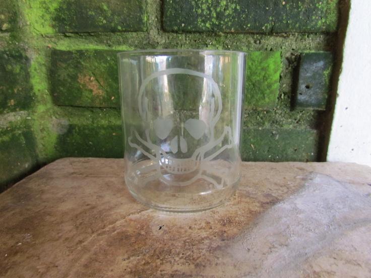 Pote de Palmito pequeno cortado e jateado quimicamente com Ácido Fluorídrico = Copo de Whisky
