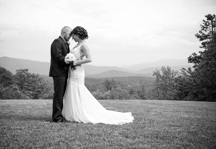 What Does a Wedding Cost in Smoky Mountains? - Christopher Place - www.christopherplace.com