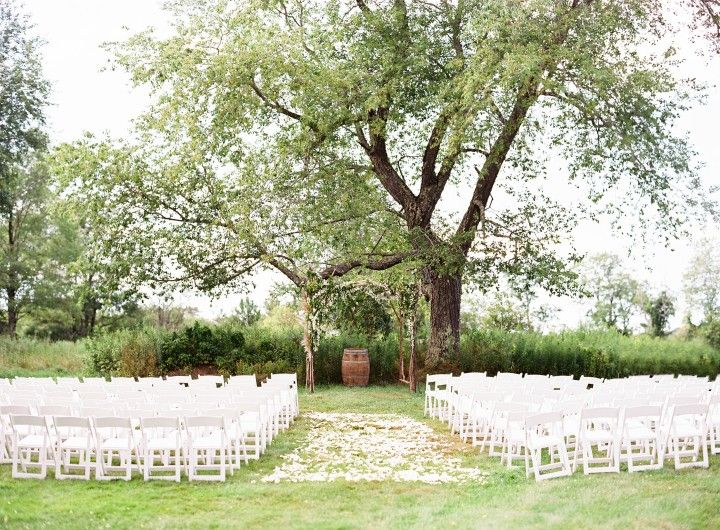 This Massachusetts Wedding Is Rustically Elegant - MODwedding