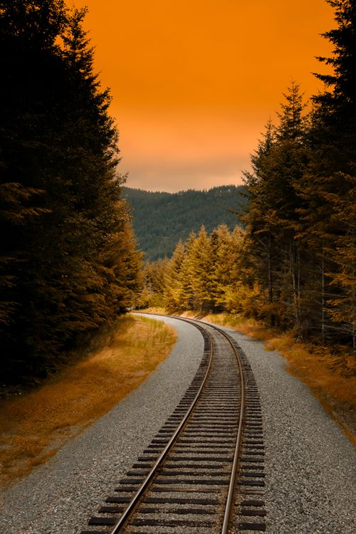 Sunset Rail, Washington photo via dannii