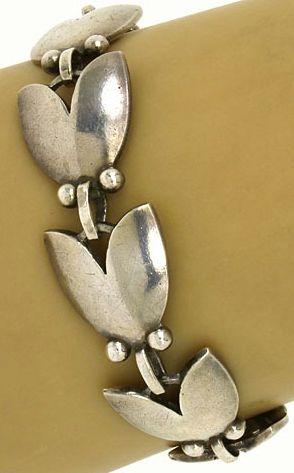 Bracelet by Georg Jensen √ http://www.georgjensen.com/us/jewelry/bracelets