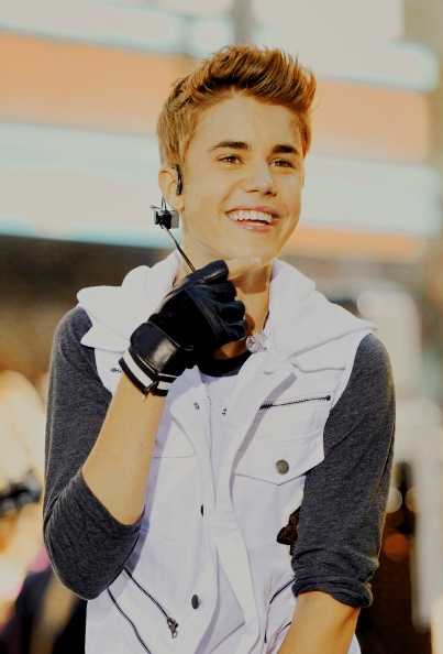 Beautiful SMILE on my Idol's face <3 <3 <3 Justin Drew Bieber = FOREVERRRRR <3<3 <3 <3 <3 <3 <3 <3