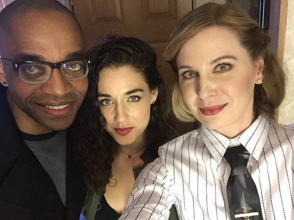 Rick Worthy, Jade Tailor, and Anne Dudek behind the scenes of #TheMagicians (via TheMagiciansES on Twitter)