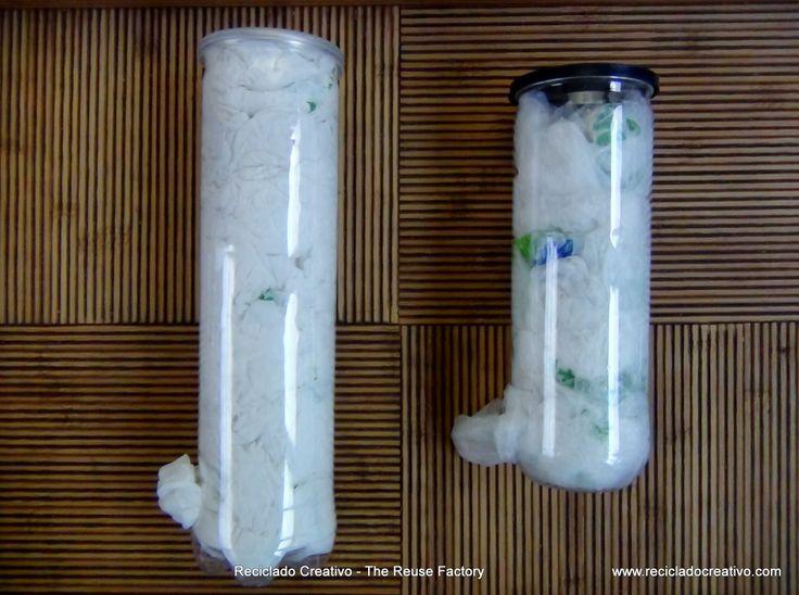 Botes de pelotas de tenis reciclados, convertidos en contenedores de bolsas de plástico, o de herramientas