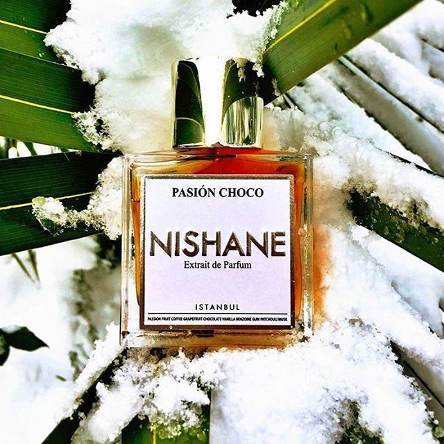 Don't care if it's getting cold! Let your gourmand scent warm you with the touches of chocolate, coffee and passion fruit!  #pasionchoco #passion #fruit #chocolate #PasiónChoco #vanille #nishane #istanbul #nishaneistanbul #parfum #niche #perfume #nicheperfume #fragrance #parfum #extraitdeparfum #scent #snow #winter #dubai #doha #paris#london #newyork #roma #milano #berlin #coffee #coffetime