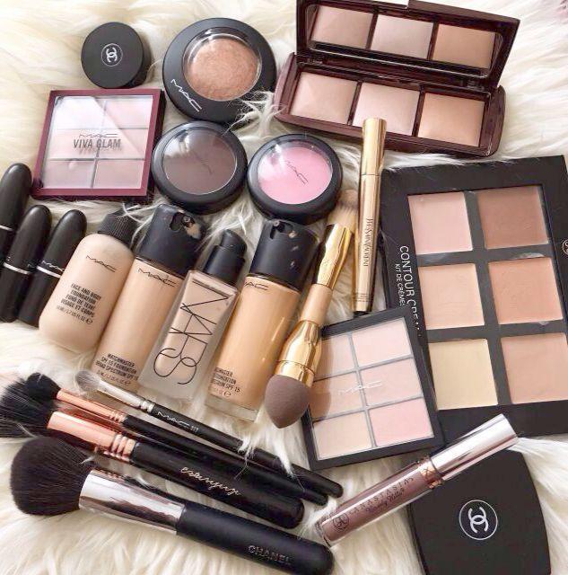 Kleine Make-up-Sammlung eines 13-Jährigen und Make-up-Sammlung in meiner Nähe …   – Makeup Collection
