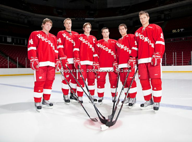 senior pictures ideas for HOCKEY PLAYERS | ... 2009-10 Wisconsin Badgers men's hockey team. (Photo by David Stluka
