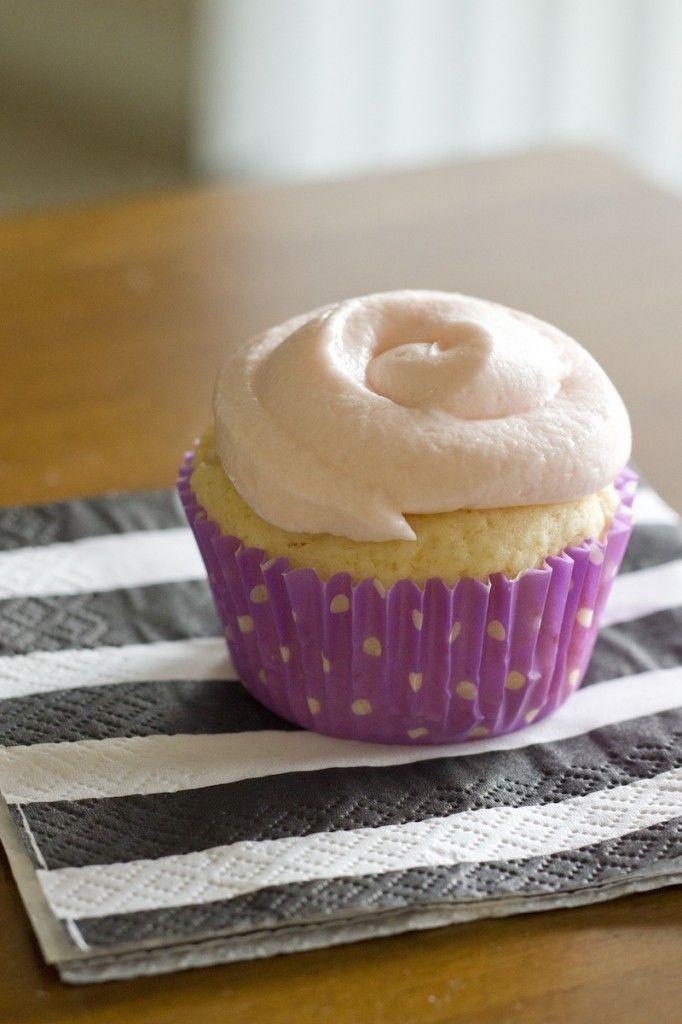 gluten-free-lemonade-cupcake