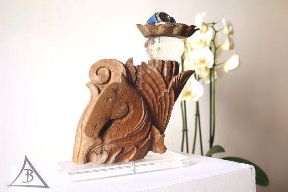 Scultura legno,fatta a mano,legno intagliato,Arte italiana classica,PEGASO,mitologica,cavallo alato,porta gioielli collane orologi candele