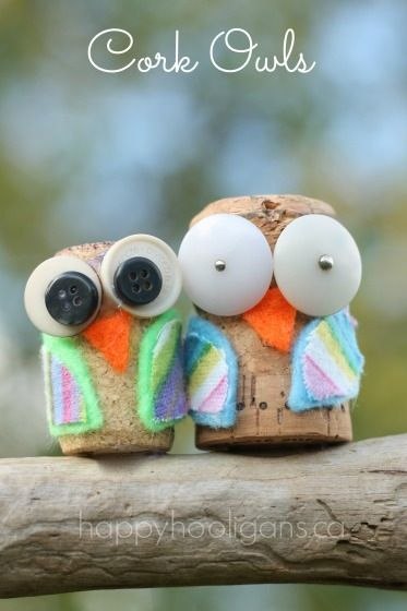 cork owls - happy hooligans - cork crafts with buttons and fabric