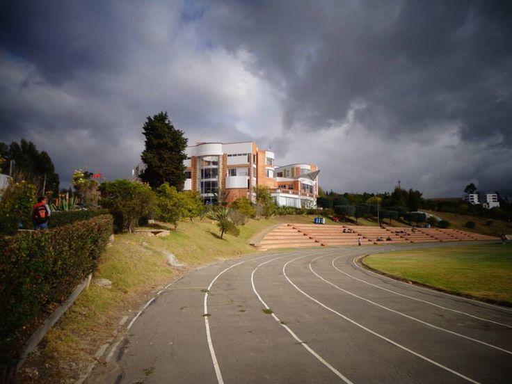 campo deportivo; USTA Tunja