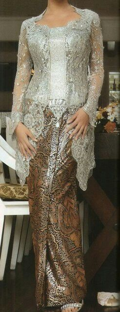 silver kebaya