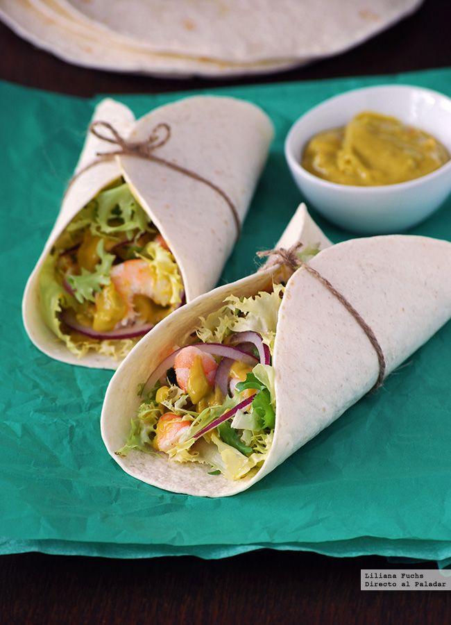 Tacos de langostinos picantes con salsa de aguacate y tahini. Receta