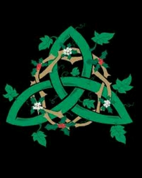 The 116 Best Triquetratrinity Knot Images On Pinterest Celtic