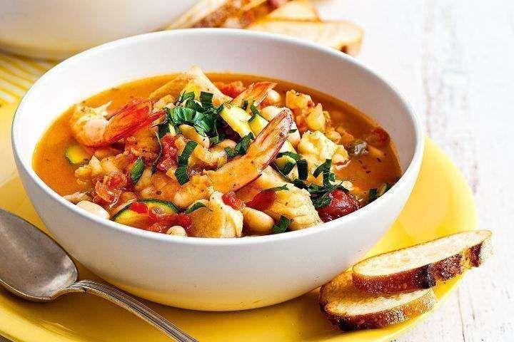 طريقة عمل شوربة السي فود Italian Fish Soup Recipe Seafood Soup Soup Recipes