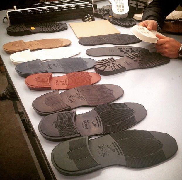 Sole searching. #velascamilano #shoes #madeinitaly #vibram #marche #rubber #newseason #questforshoes #mensshoes #mensfashion at Montegranaro (Ap)