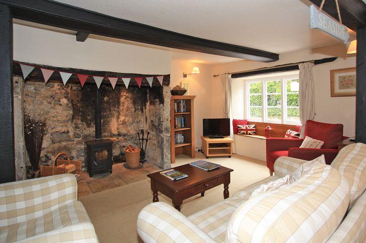 Cosy Virginia Cottage in Beer, Devon.