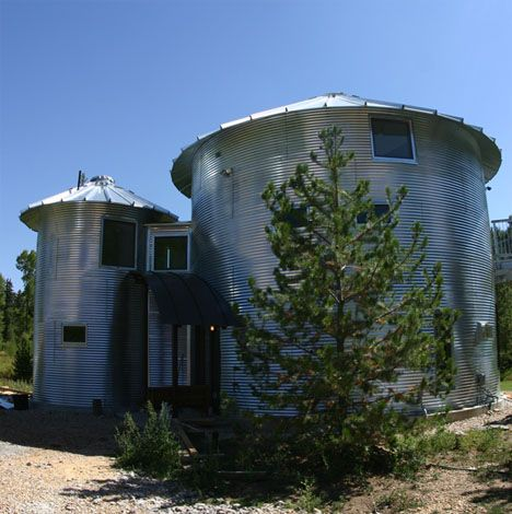 19 best silo homes images on pinterest grain silo barn for Barn and silo playhouse