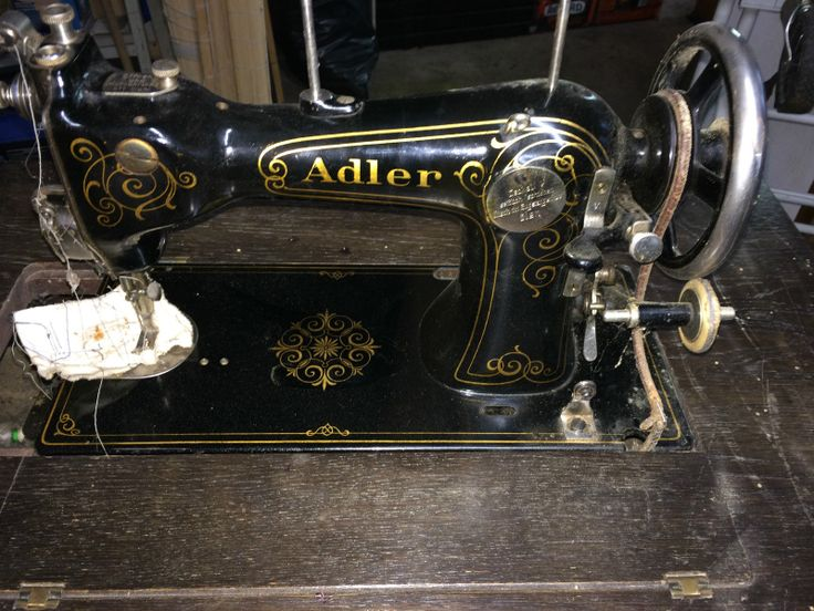 Adler, Nähmaschine, Dachbodenfund, Sammlerstück in in Ebhausen | eBay