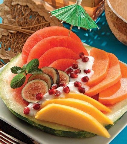 Ensalada de frutas tropicales. Desayunos light