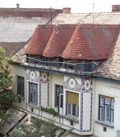 Chromcsi Szolnok, régi épülete című képe az Indafotón. Hungary
