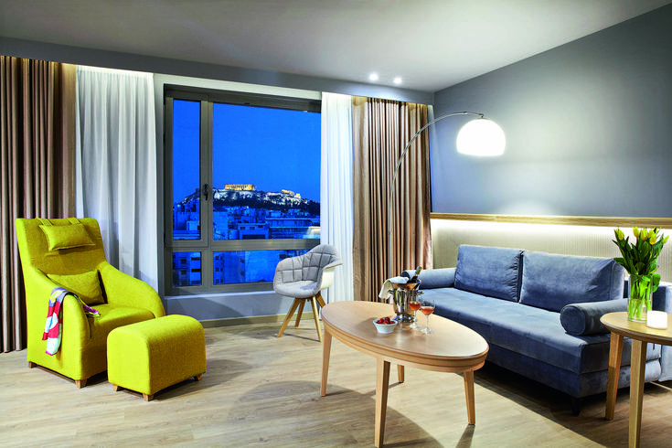 Find tranquility, forget your worries. Experience the luxuries that #Wyndham #Grand #Athens has to offer!