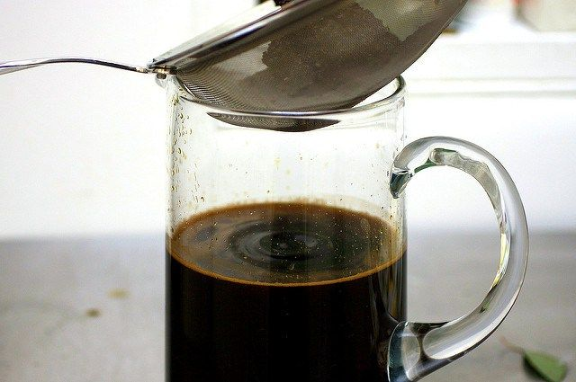 Recipe for small batch of cold brew coffee.
