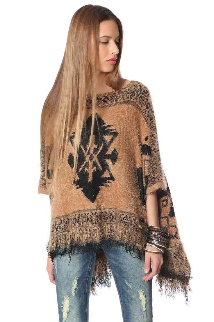 ¿Necesitas ideas para regalar esta Navidad? Poncho de lana, calentito y suave al tacto. Ver ▶ http://regalva.com/ponchom ¡No te quedes sin él!  #poncho #ropa #moda #ropaabrigo #mujer #outfit #mujer #beis #fashion